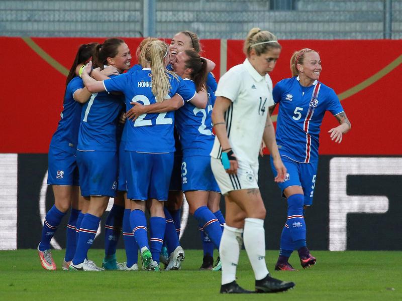 DFB-Frauen in Wiesbaden gegen Island