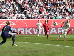 Schüller-Festival: 4:0 der DFB-Frauen beim Hrubesch-Debüt