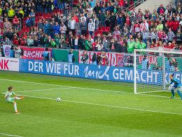 Hansen eiskalt: Wölfinnen holen den DFB-Pokal
