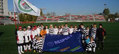 Kinder der Deutsch-Tschechischen Fußballschule und von Lokomotive Moskau
