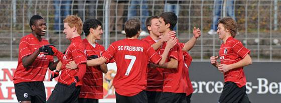 Freiburger U-17-Mannschaft beim Jubel