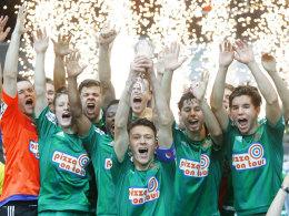Jubel mit Feuerwerk: Rapid Wien siegte beim Junior-Cup in Sindelfingen.