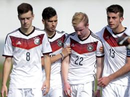 Gesenkte Köpfe gab es bei den Spielern der deutschen U 16 nach dem verlorenen Elfmeterschießen gegen Portugal.