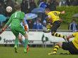 Das entscheidende Tor: Dortmunds Passlack schie�t zum 2:0 ein.