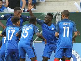 Frankreich jubelte fr�h im Finale gegen Italien: Augustin (2. v. re.) traf zum 1:0.