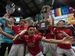 ManUnited gewinnt Sparkasse & VGH Cup