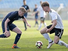 U 17 mit Remis gegen England