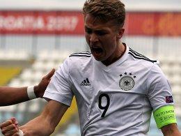 Arp dreht das Spiel: Deutsche U 17 im Halbfinale!