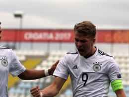 Arp eröffnet und beendet: Deutsche U 17 im Viertelfinale!
