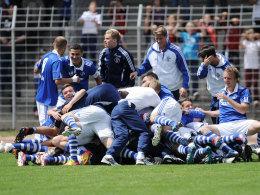 Schalker Junioren bejubeln die Deutsche Meisterschaft