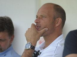 Darf keine weiteren Neuverpflichtungen erwarten: Ahlens Trainer Arie van Lent muss mit dem bestehenden Kader auskommen.