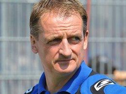 Blickt in eine ungewisse Zukunft: TuS-Coach Petrik Sander.