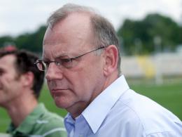 Auf der Suche nach Sponsoren und Investoren:  TuS-Präsident Werner Hecker muss dringend Geld auftreiben.