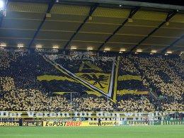 """""""Der Verein, für den wir alles geben"""": Banner der Aachener Fans."""
