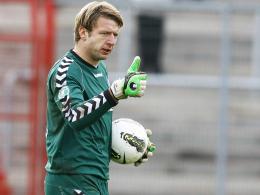 Zwei weitere Jahre im Wildpark: KSC-Torhüter Dirk Orlishausen.