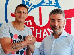 Sportvorstand Uwe Vester begrüßt Mustafa Kucukovic