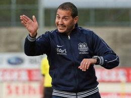 Verlängerte seinen Vertrag bis 2016: Saarbrücken-Trainer Fuat Kilic.
