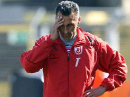 Gehen nach der Saison getrennte Wege: Coach Thomas Stratos und Jahn Regensburg.
