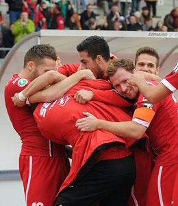 Gewinnt Erfurt auch das Spitzenspiel in Bielefeld und bleibt zum sechsten Mal in Folge ungeschlagen?