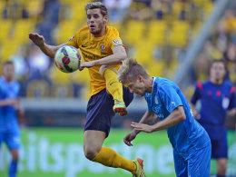 Fand klare Worte: Dresdens Justin Eilers (li.) war mit dem Ergebnis gegen die Stuttgarter Kickers absolut nicht zufrieden.