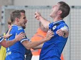 Völlig losgelöst: Bielefelds Kapitän Fabian Klos schreit seine Freude heraus.