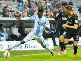 Nach Kurz-Einsätzen für die Sechziger bald für die Stuttgarter Kickers am Ball: Stephane Mvibudulu (li.).