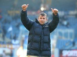 Durfte sich nach Spielende von den Fans feiern lassen: Rostocks Torj�ger Marcel Ziemer.