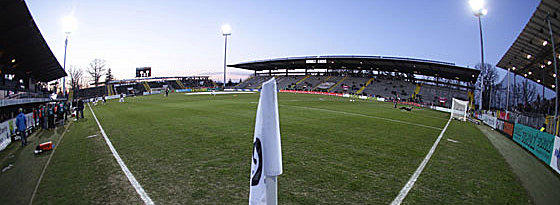 Flutlichtspiel in der Scholz-Arena: Dynamo kommt am Freitagabend.