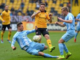 Die Stuttgarter Kickers kämpften in Dresden um jeden Ball und wurden mit einem Punkt belohnt.