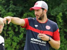 Sandro Schwarz gibt Anweisungen im Training