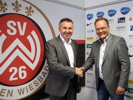 Hand drauf: Dr. Thomas Pröckl (li.) und Nico Schäfer arbeiten beim SVWW zukünftig zusammen.