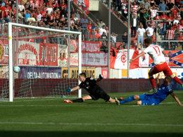 Lottes Keeper Fernandez: