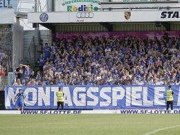 Mini-Bälle auf dem Feld: Drittliga-Fans protestieren