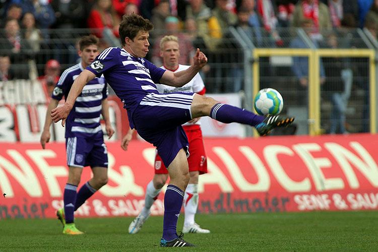 Stenzel liegt vorne - Müller knackt die 250