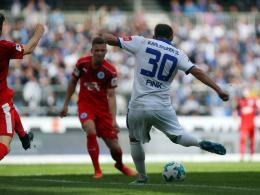 Torjäger Fink schlenzt Karlsruhe zum Sieg