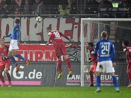 Benyamina köpft dezimierte Rostocker zum Sieg