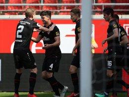 FWK-Sieg in Halle: Nikolaou eröffnet per Kopf