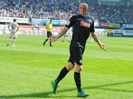 Aufstieg! Michel schießt Paderborn in Liga zwei