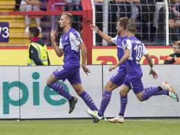 Mit Derbysieg auf Platz eins: Osnabrücks Lauf hält an