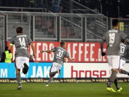Reinhardt aus 35 Metern ins Glück: FSV besiegt Würzburg
