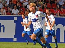 Eröffnete zehn torreiche Minuten: Marc Schnatterer erzielte per Freistoß das 1:0 für Heidenheim
