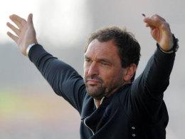 Claus-Dieter Wollitz (Trainer VfL Osnabrück) verzweifelt