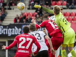 Uzan-Kopfball geklärt: Erfurt drängt vergeblich