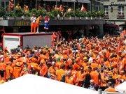 Niederländische Fans in Bern
