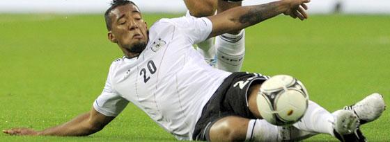 Jerome Boateng könnte als Rechtsverteidiger gleich auf Superstar Ronaldo treffen.
