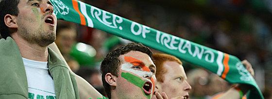 Stimmgewaltig - egal, wie es ausgeht: Irische Fußballfans gestern in Danzig.