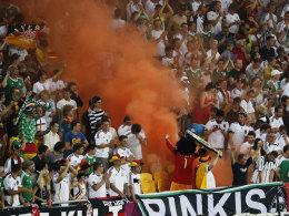Rauch im Stadion: Der DFB muss zahlen.