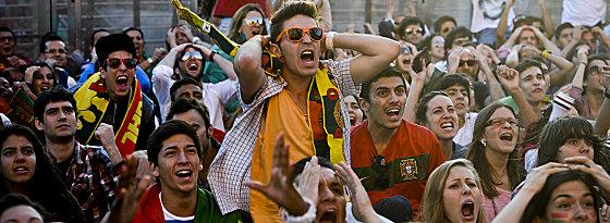 In Lissabon treffen sich die Fans zum Public Viewing.
