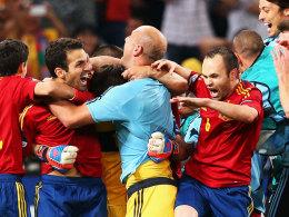 Spanien jubelt nach Fabregas' Elfmeter