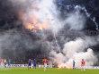 Skandal in San Siro: Kroatische Chaoten erzwingen eine Spielunterbrechung.